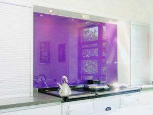 colored-glass-kitchen-backsplash