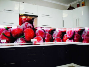 printed-glass-backsplash-for-kitchen-ideas